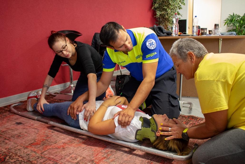HEMOSTAZ ⎮ Centre de formation cours de premiers secours formation continue maintien de tête