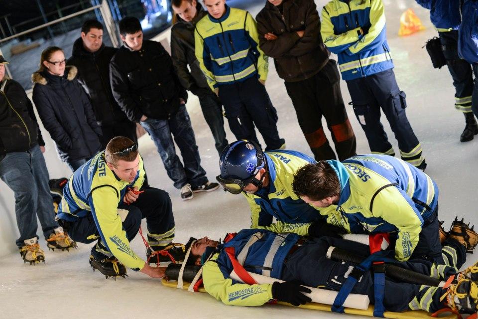 HEMOSTAZ ⎮ Centre de formation cours de premiers secours formation continue planchage sur glace