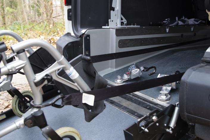 HEMOSTAZ ⎮ Harnais de notre véhicule TPPMR pour les chaises roulante