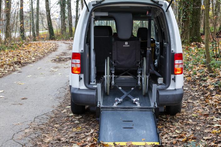 HEMOSTAZ ⎮ Rampe de notre véhicule TPPMR pour les chaises roulante